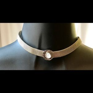 🌙 Silver Crescent Moon Metal Choker Necklace
